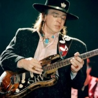 Stevie Ray Vaughan - Herve My Gire Alone