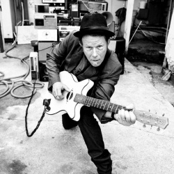 Tom Waits - Fumblin With The Blues