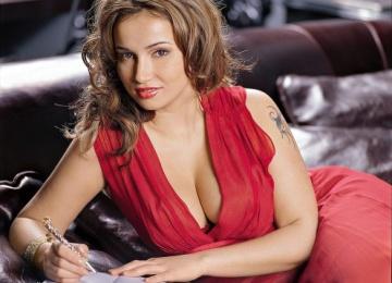 Анфиса Чехова показала фото без макияжа