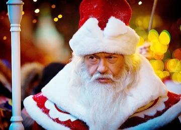 Бондарчук будет ходить по квартирам москвичей в костюме Деда Мороза