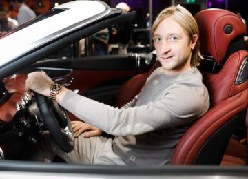 Евгений Плющенко на выставке «Любимая машина Энди Уорхола»