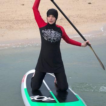 Линдси Лохан демонстрирует буркини на пляже в Тайланде