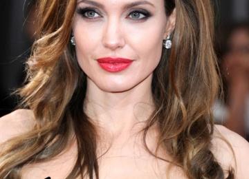 Анджелина Джоли планирует усыновить седьмого ребенка