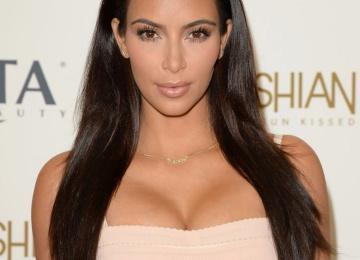 Ким Кардашьян определилась с выбором суррогатной мамы