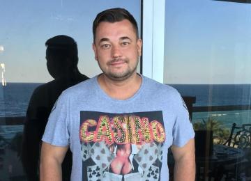 Сергей Жуков снял трепетный клип о своей супруге