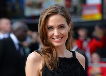Анджелина Джоли презентовала свой фильм «Сначала они убили моего отца: Воспоминания дочери Камбоджи»