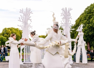 День города в Парке Горького: театральные сказки и fashion-показы