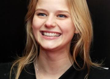 Звезда фильма «Викинг» сильно располнела ради новой роли