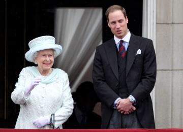 Елизавета II передаст трон принцу Уильму