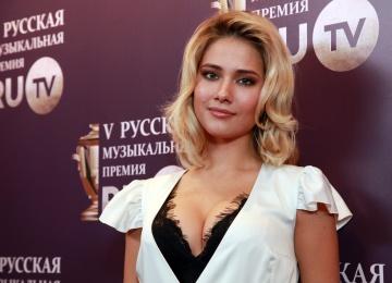 Юлия Паршута презентовала свежий клип на композицию «Почему дождь»