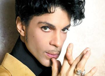 Скончался певец Принс
