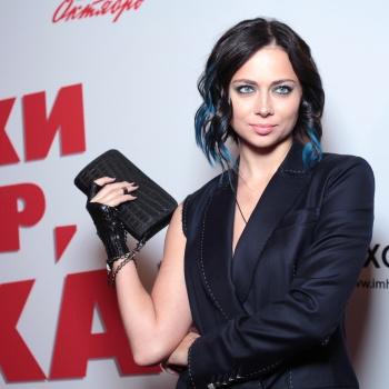 Настасья Самбурская опубликовала пародию на  Елену Летучую