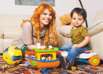 Анастасия Стоцкая мучает детей