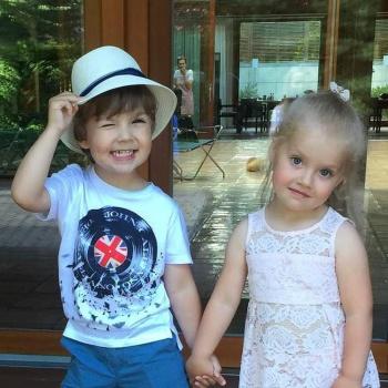 Маленькая дочь Максима Галкина восхитила своим первым в жизни вальсом