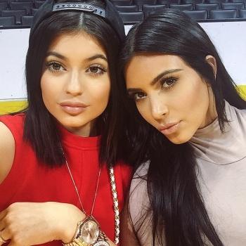 Сестра Ким Кардашьян стала мамой