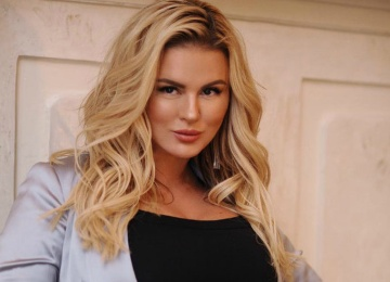 Анну Семенович не пустили в «дамскую комнату» ЦУМа