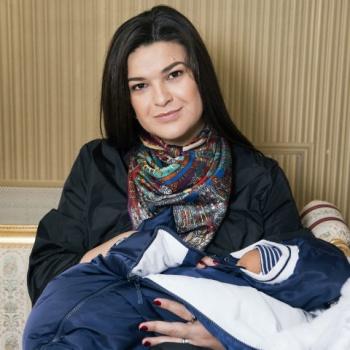 Стало известно, как Виктория Райдос назвала новорожденного сына