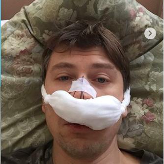 Алексей Ягудин с супругой попали в больницу