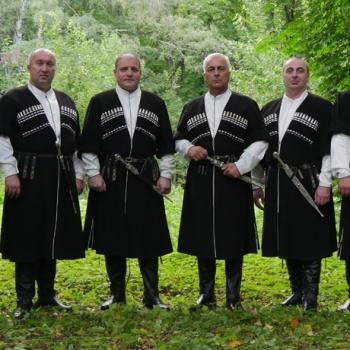 Грузинский хор и полотна Айвазовского в Artplay