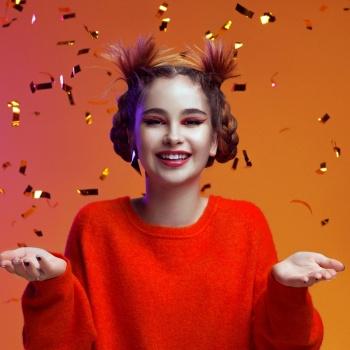 AlexandrA сняла клип на песню «АТОМЫ»