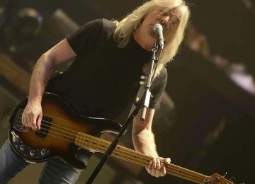 Басист AC/DC отправится на пенсию