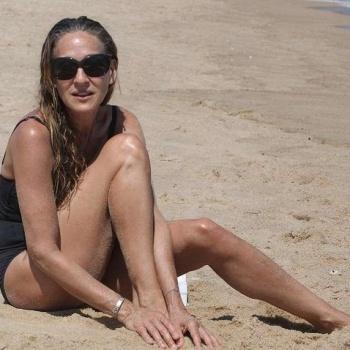 Сара Джессика Паркер удивила поклонников фигурой в купальнике