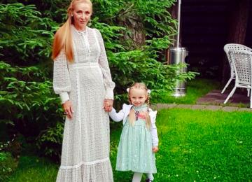 Поклонники в восторге от нового образа Татьяны Навки и ее дочери