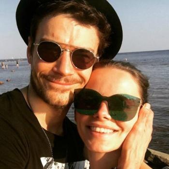 Елизавета Боярская с мужем отдыхает в родном городе