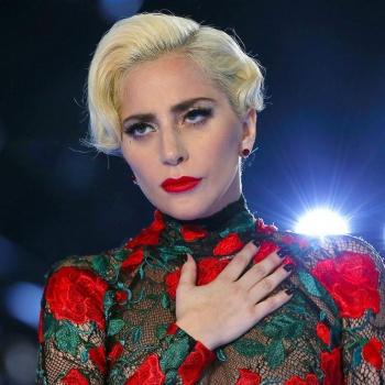 Леди Гага продает квартиру