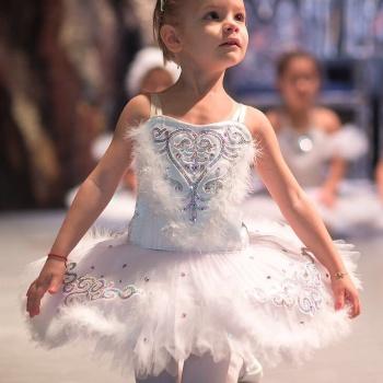 Дочь Тимати выступила на открытом уроке балета